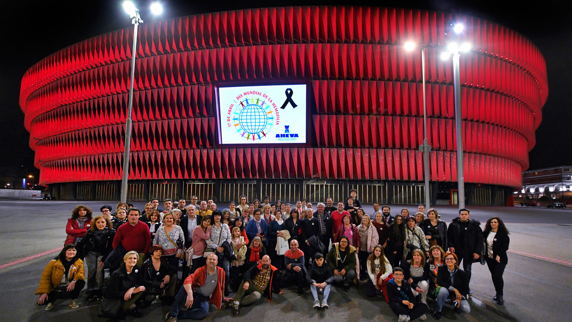 San Mamés, in red for the World Hemophilia Day