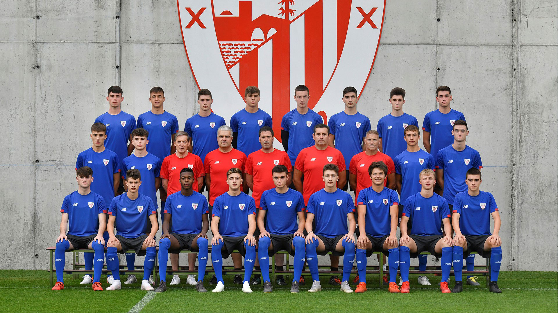 Juniors A presentation at Lezama