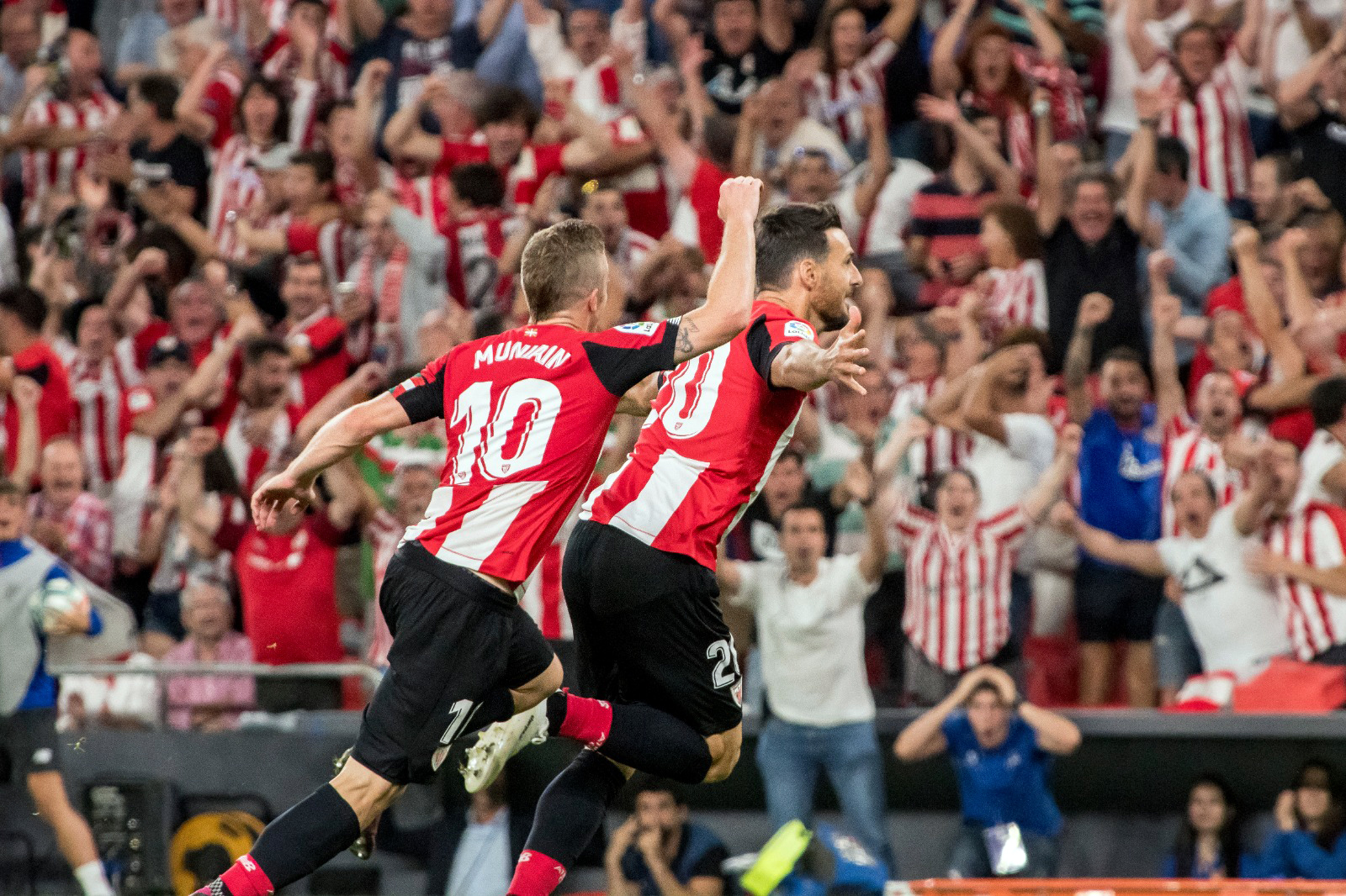 Aduriz knocks down Barça with a great goal
