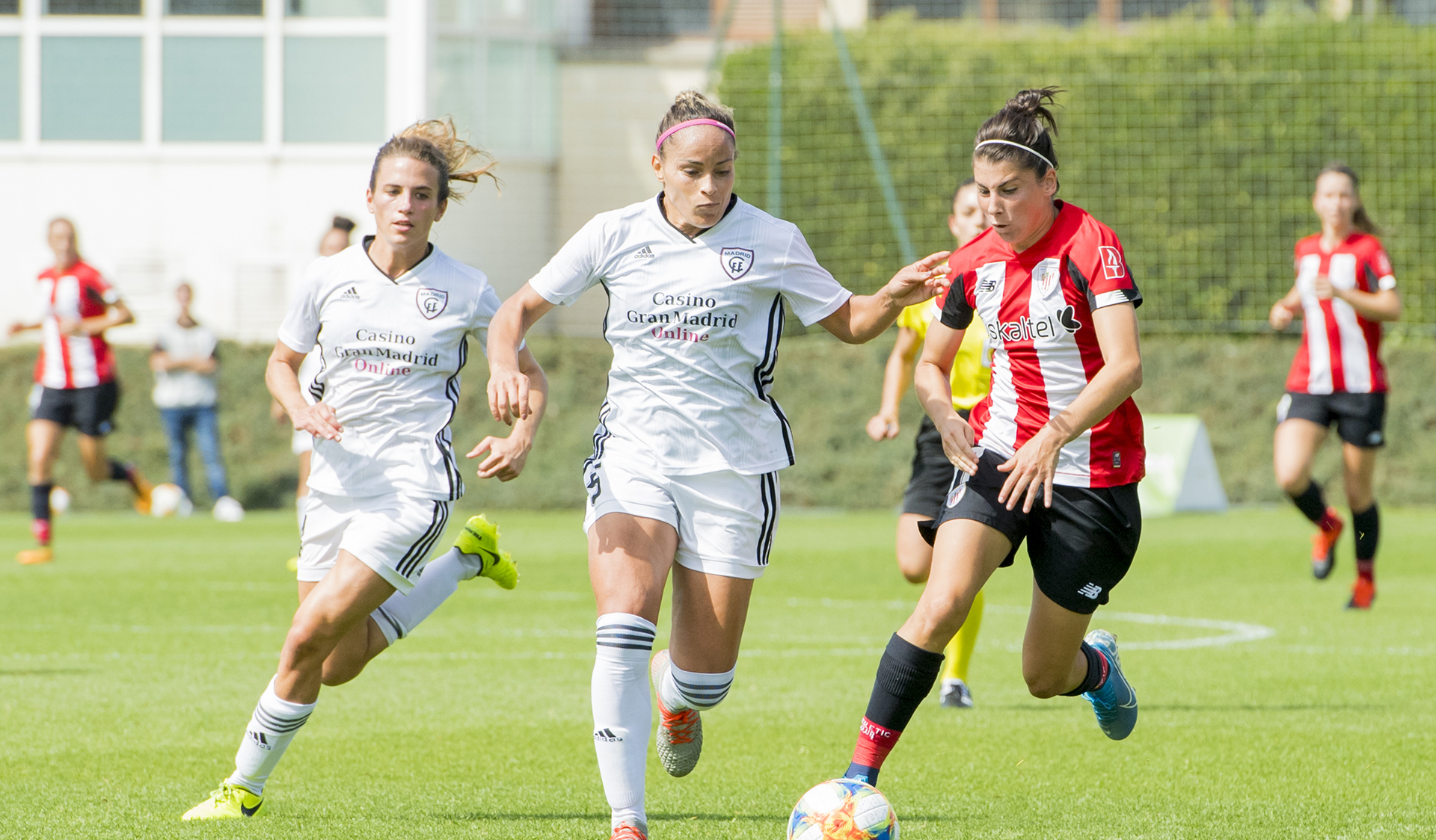 Solvent debut at home of Athletic Club ladies' team
