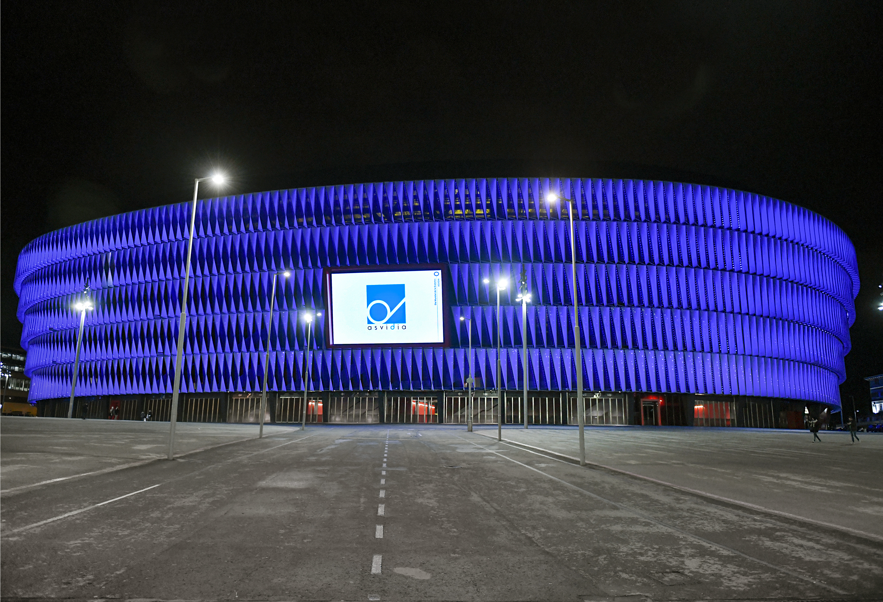San Mames in blue, supporting the World Diabetes Day