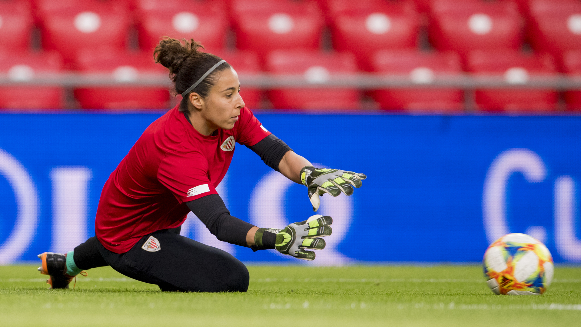 Ainhoa Tirapu will be training our young goalkeepers