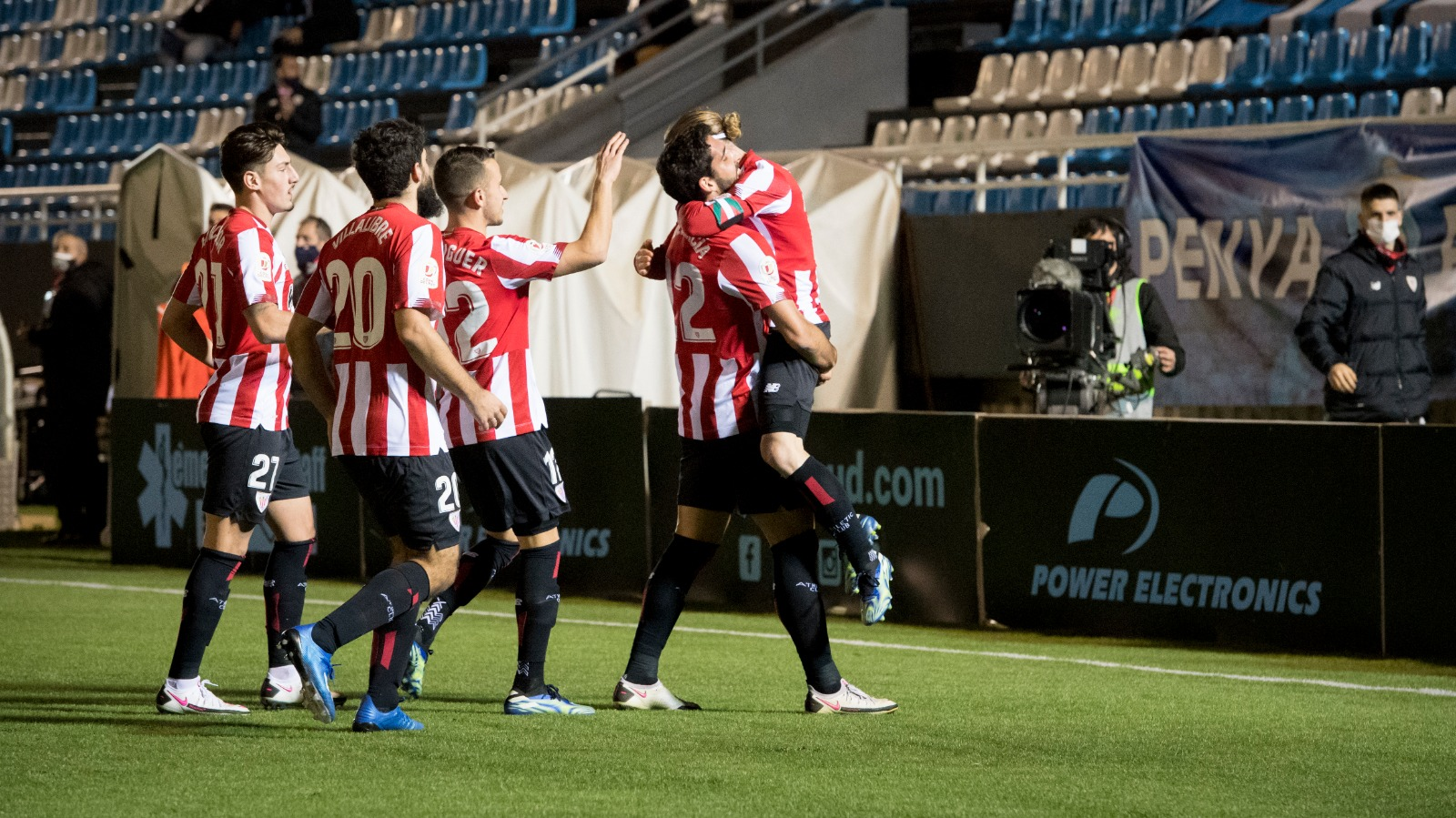 Athletic through to Round of 16 after late goal